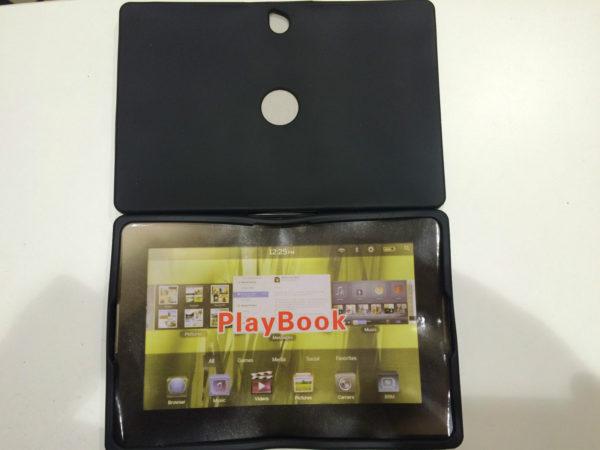 Cover-custodia-in-silicone-gommato-per-playbook-ebook-20-x-13-cm-nera-playbook-301361986362